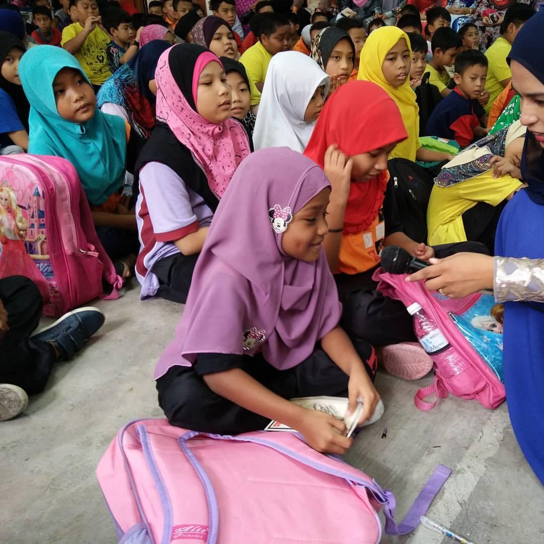 Tak-Sangka-Rupanya-Wujud-Sekolah-Percuma-Untuk-Anak-Gelandangan-di-Malaysia-2