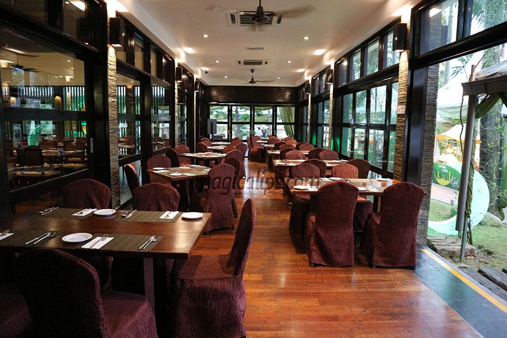 3 Ruang Makan Berbeza Di Restoran Verandah