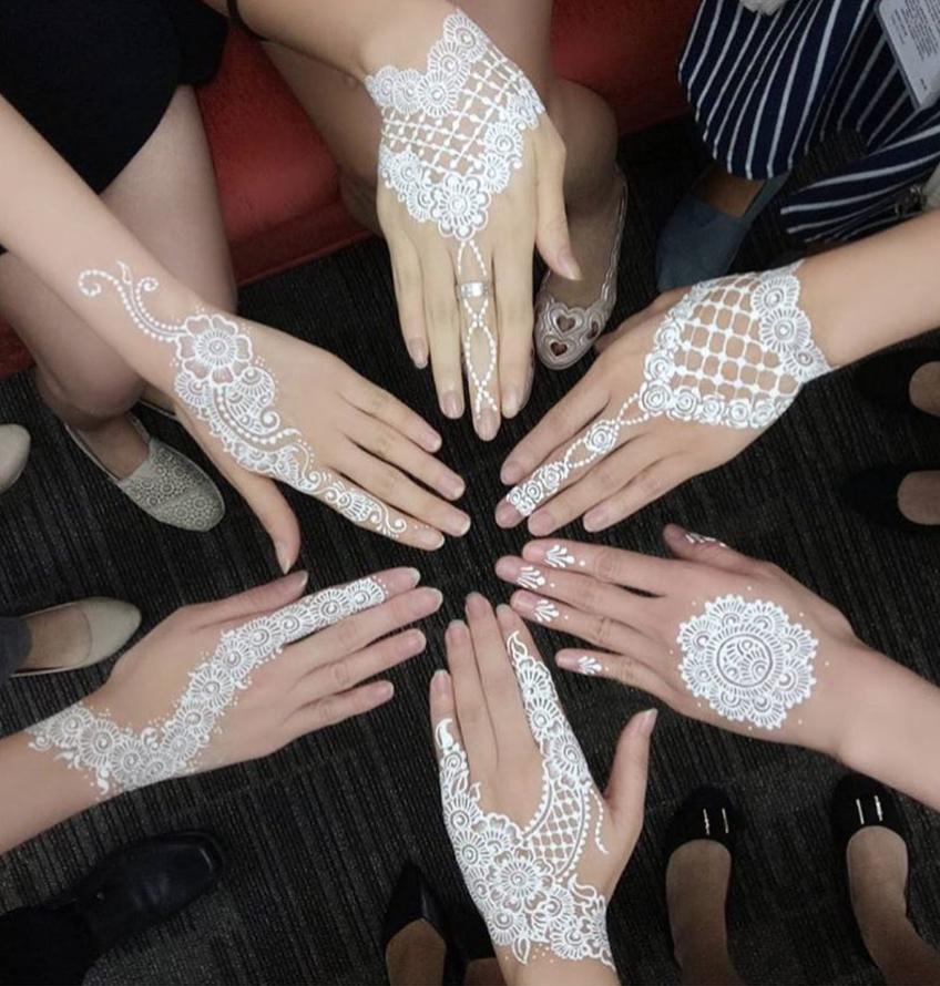 Motif Henna Putih Simple Berbagi Ilmu Belajar Bersama